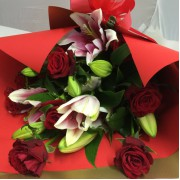 Bouquet Roses – Red wrapping