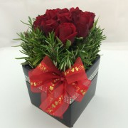 9 Red Roses Ceramic – Square