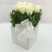 9 White Roses Ceramic – Square